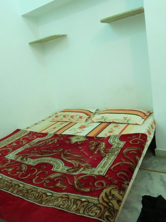 Hotel Minerwa: Bed