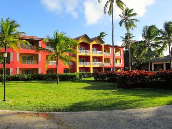 Caribe Club Princess Beach Resort & Spa: One of the rooms buildings