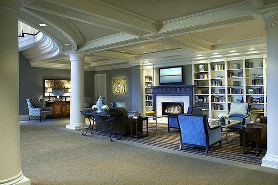 Woodmark hotel still spa hotel 1200 carillon pt in for 88 salon kirkland