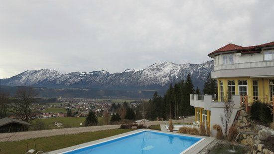 Wellness Schloss Panorama Royal: Aussicht Poolseite