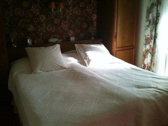Hotel Wengener Hof : bed