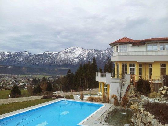 Wellness Schloss Panorama Royal: Pool, auch im Februar mit Wasser drin