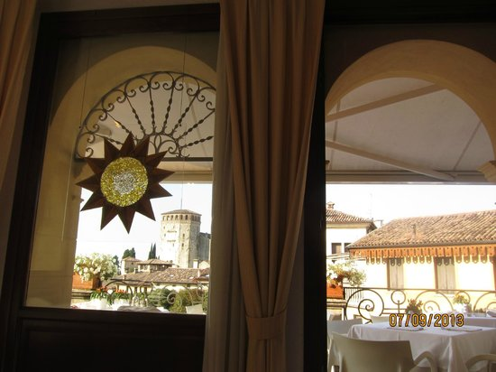 Albergo Al Sole: Окна