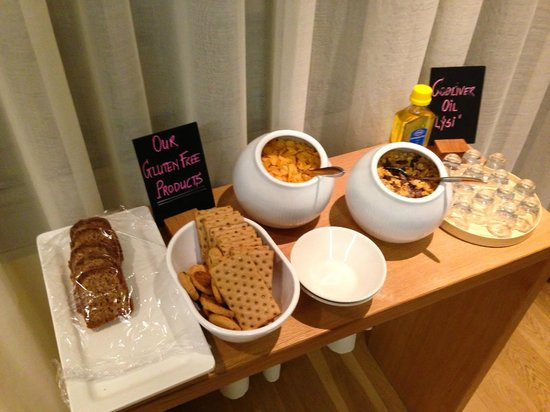 Icelandair Hotel Reykjavik Natura: Gluten Free selection at breakfast