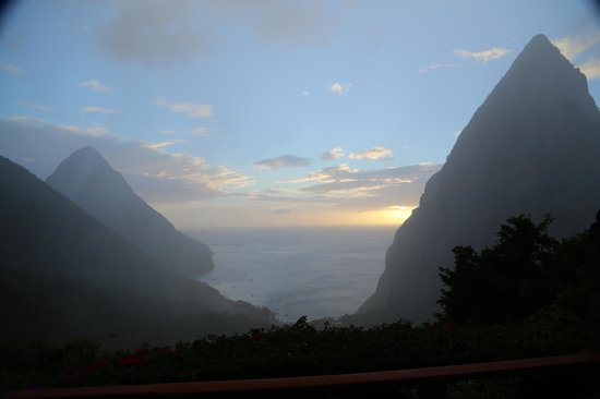 Ladera Resort: view on rainy day