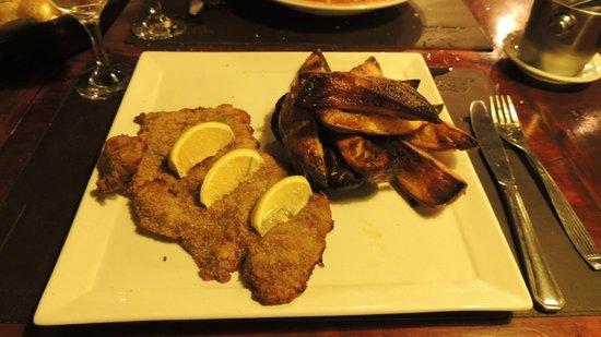 La Lechuza Restaurant: Mila de Ternera con papas horneadas