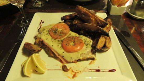 La Lechuza Restaurant: Mila Napolitana con Papas horneadas