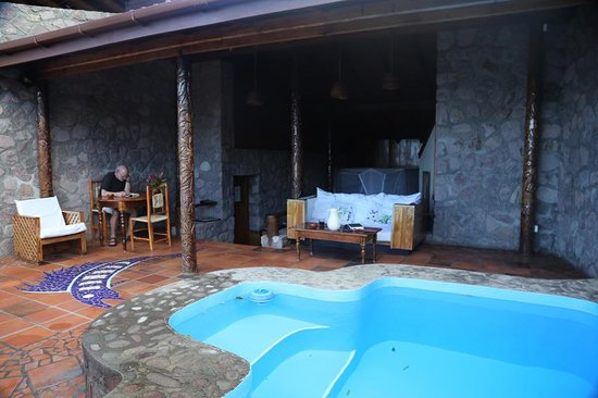 Ladera Resort: limited seat choices!