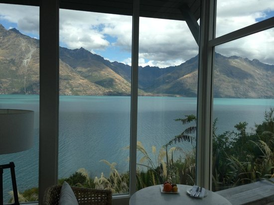 Matakauri Lodge : The view from every angle in our room!