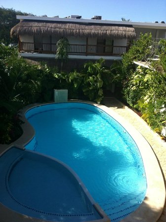 Posada Yum Kin : view of pool from sunning area on upper deck