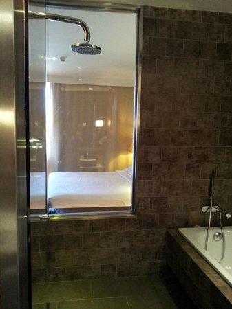 Sheraton Gran Canaria Salobre Golf Resort: Shower view