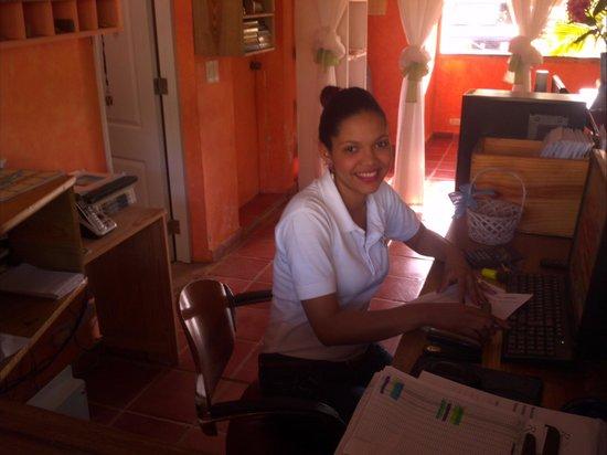 La Residencia del Paseo: Yeimi on reception always with a smile