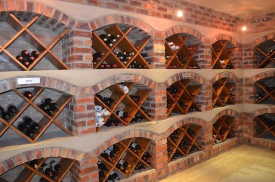 Tamodi Lodge: Wine Cellar
