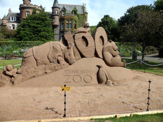 Edinburgh Zoo: 100 year sand sculpture