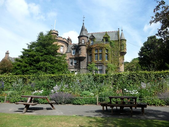 Edinburgh Zoo: House