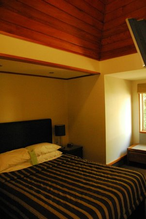 Distinction Te Anau Hotel and Villas : Villa Bedroom