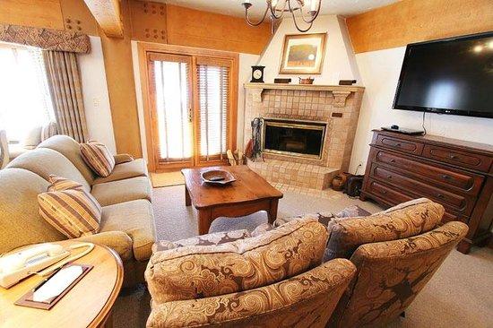 Stein Eriksen Lodge Deer Valley: 2-bedroom luxury suite Living Room