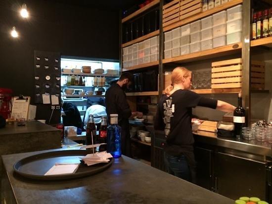 Ovejas Negras Tapas: Tiny kitchen, great food
