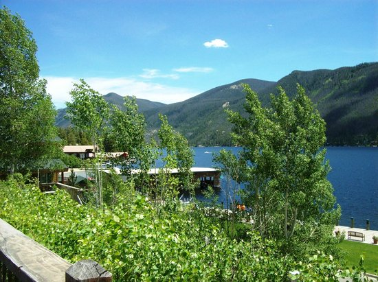 Western Riviera Lakeside Lodging & Events: View from upper large lakeside cabins