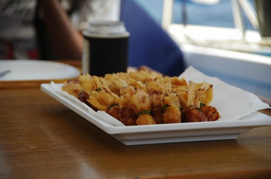 SY Nakamal Sail and Dive Charters: Ay will surprise you with how good her cooking is.