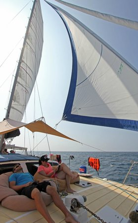 SY Nakamal Sail and Dive Charters: Relaxing at it's best.