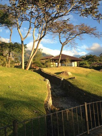 La Reunion Golf Resort & Residences: View of our suite from the hotel grounds