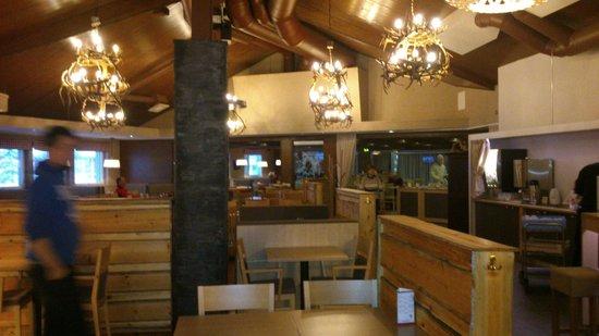 Lapland Hotel Sirkantahti: salle restaurant