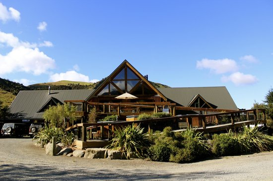 Saints Cafe, Restaurant & Bar: New Zealand's Largest Log Building