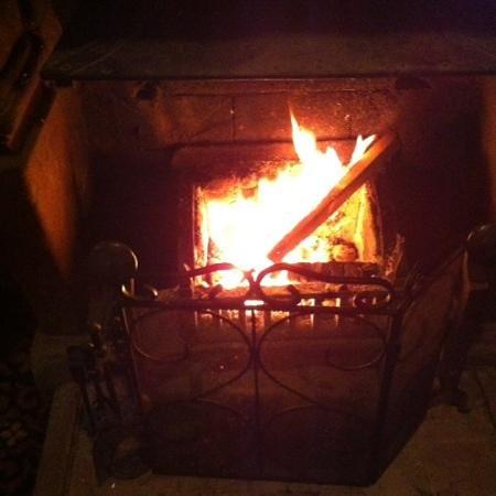 Ye Olde King's Head: Log Fire