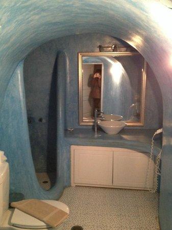 Nonis Apartments: Baño