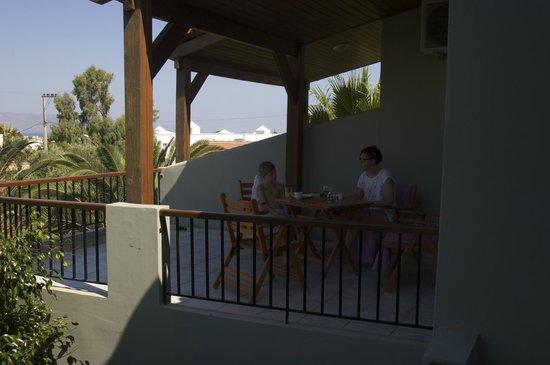 Casa Maria Apartments: Breakfast at the balcony