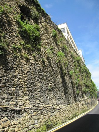 Muralla de Oviedo: Tramo de la muralla.