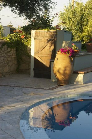 Casa Maria Apartments: Greek