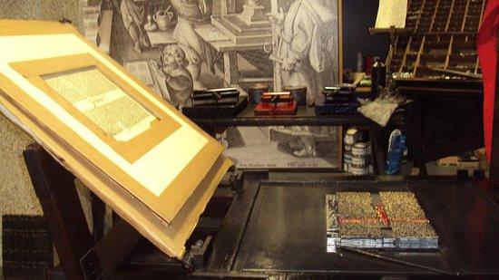 Gutenberg-Museum: Tipos das prensas e modelo de impressão