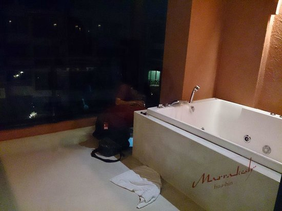 Marrakesh Hua Hin Resort & Spa: Jacuzzi