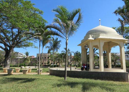 Zanzibar Coffee House: Stonetown Forodhani Gardens & Old Fort