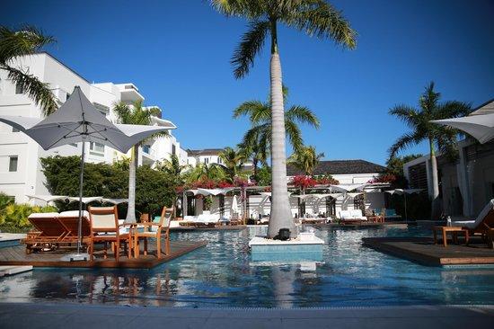 Gansevoort Turks + Caicos: Pool area