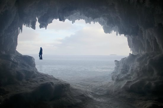 Mawikwe Sea Caves: The caves have ice all over inside