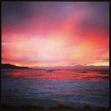 Haleiwa Beach Park : Sunset at Haleiwa