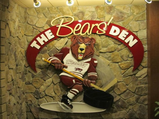 Hershey Lodge : The Bears' Den