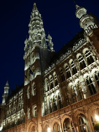 Grand Place: Shapes