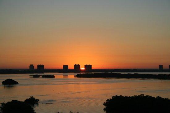 Lovers Key Resort: Sunrise