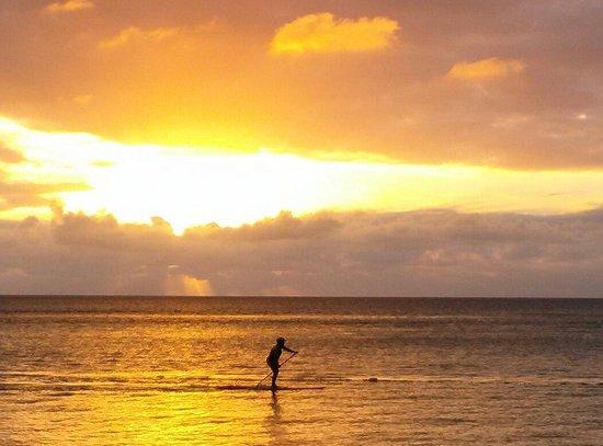 Combate Beach Resort : Sunset at Combate beach...