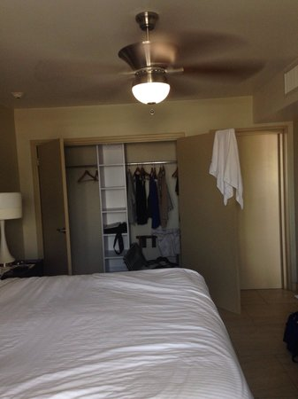 La Cabana Beach Resort & Casino: Big closets