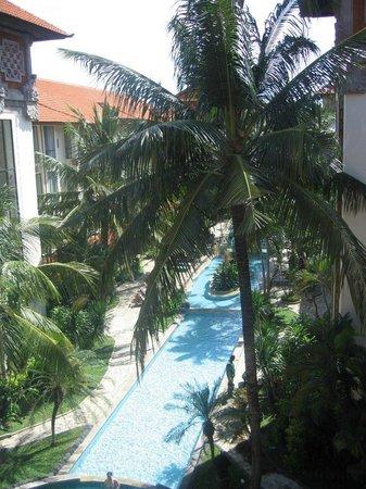 Prime Plaza Hotel Sanur - Bali: Pool View