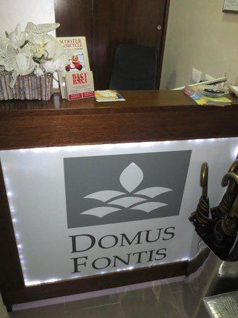 Domus Fontis : front desk