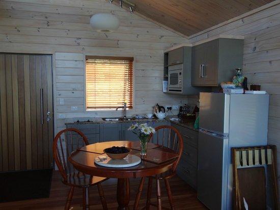 Awatea Tasman Bay : Cottage kitchen