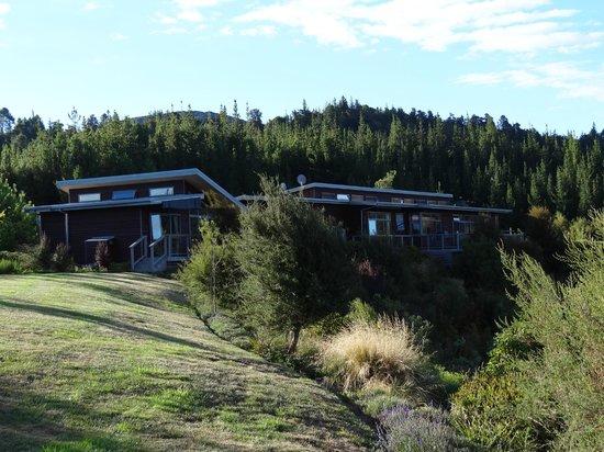 Awatea Tasman Bay : Grounds, cottage and main house