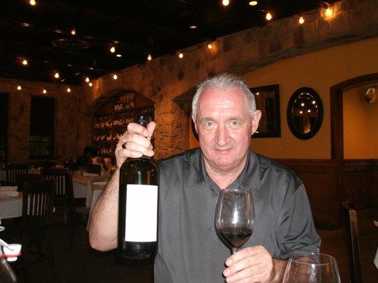 Romano's Macaroni Grill: Gordon with the wine