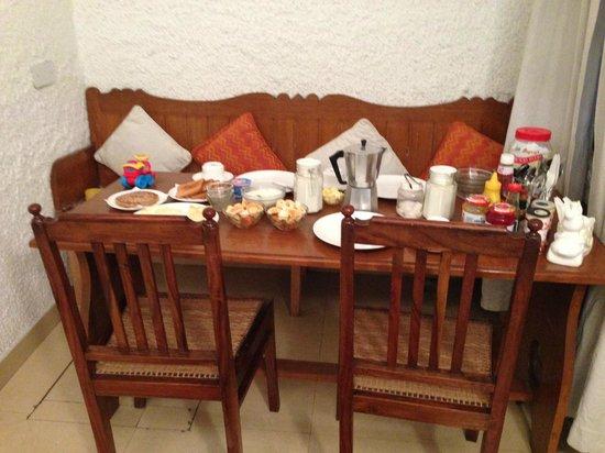 Eleven: dinning